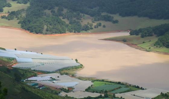 Hồ cấp nước sinh hoạt cho Đà Lạt ngày càng ô nhiễm ảnh 2