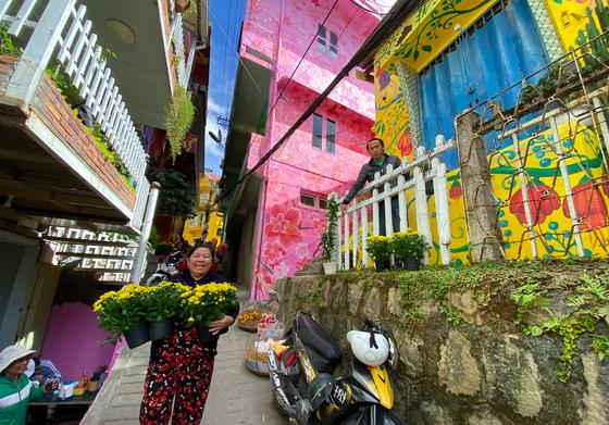 Phố nghệ thuật dốc nhà Làng – Đà Lạt thu hút du khách ảnh 12