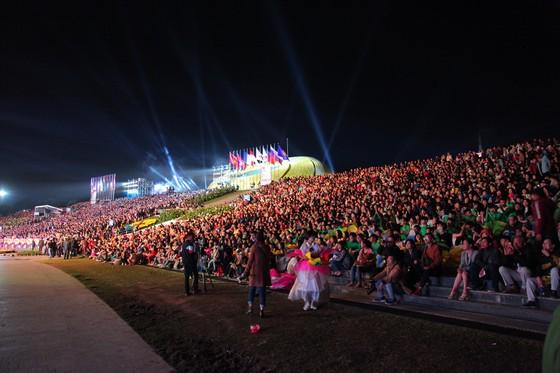 Rực rỡ đêm hội khai mạc Festival hoa Đà Lạt 2019 ảnh 2