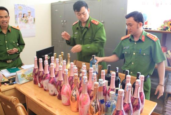 Bắt quả tang nhiều người sử dụng ma tuý trong quán rượu ở Đà Lạt ảnh 2