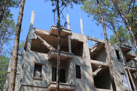 Tháo dỡ công trình xây dựng không phép trong khu nghỉ dưỡng ở hồ Tuyền Lâm – Đà Lạt ảnh 3
