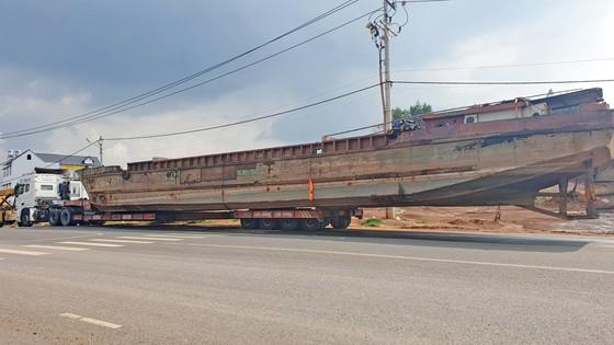 Xe chở thuyền dài 28m lên đèo Bảo Lộc bị phạt hơn 90 triệu đồng ảnh 2