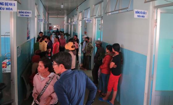135 học sinh nhập viện sau khi ăn bánh mì tại trường học ảnh 2