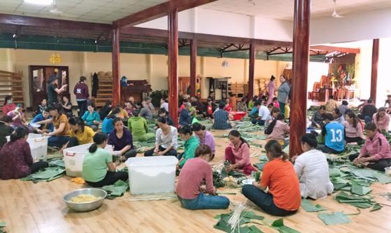 Lâm Đồng: Tất bật gói hơn 6.000 bánh chưng, bánh tét hỗ trợ miền Trung ảnh 1