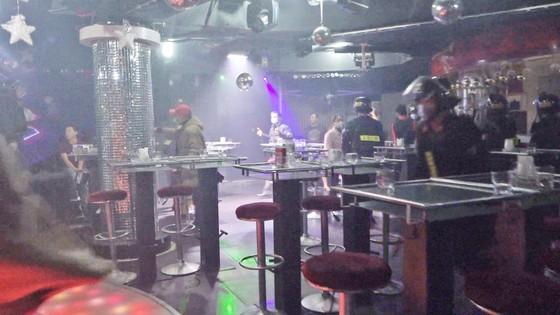 Nhiều người dương tính ma túy trong quán bar ở trung tâm Đà Lạt ảnh 1