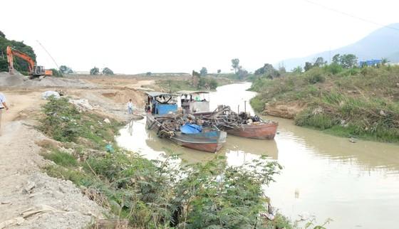 Đình chỉ công ty khai thác cát đắp đập, ngăn sông gây ô nhiễm trên sông Đa Nhim ảnh 1