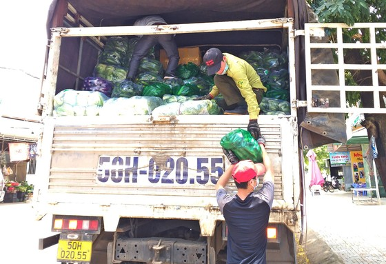 Nhiều địa phương hỗ trợ hàng hóa cho TPHCM ảnh 4