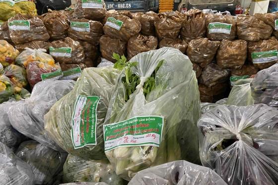 Lâm Đồng tiếp tục gửi 420 tấn rau, củ hỗ trợ các địa phương phòng, chống dịch ảnh 2