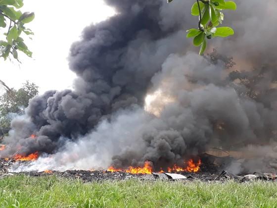 Cháy bãi phế liệu, 540 học sinh phải nghỉ học ảnh 2