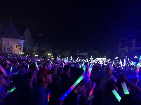 """10.000 khán giả """"cháy"""" hết mình khi Boney M biểu diễn tại Việt Nam ảnh 3"""
