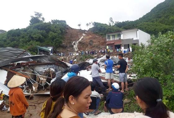 Khánh Hòa: 12 người chết do ảnh hưởng bão số 8 ảnh 1