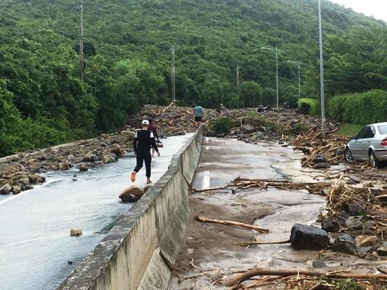 Khánh Hòa: 12 người chết do ảnh hưởng bão số 8 ảnh 2