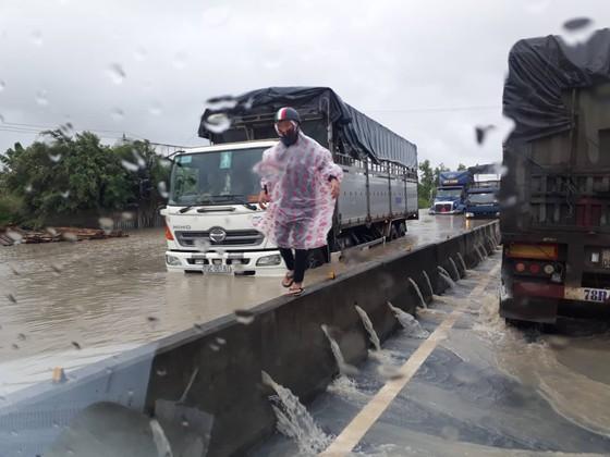 Đã có 14 người chết, 2 người mất tích do mưa lũ ở Nha Trang ảnh 2