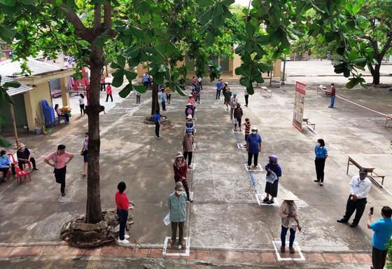 Phóng viên báo chí thường trú tại Khánh Hòa chung tay cùng ATM gạo ảnh 2