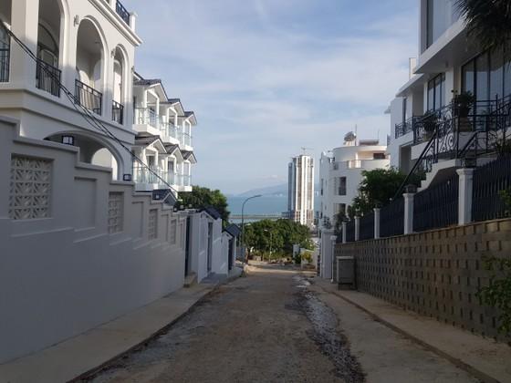 Phố biệt thự trái phép trên núi Cô Tiên gây nguy hiểm cho dân cư ảnh 1