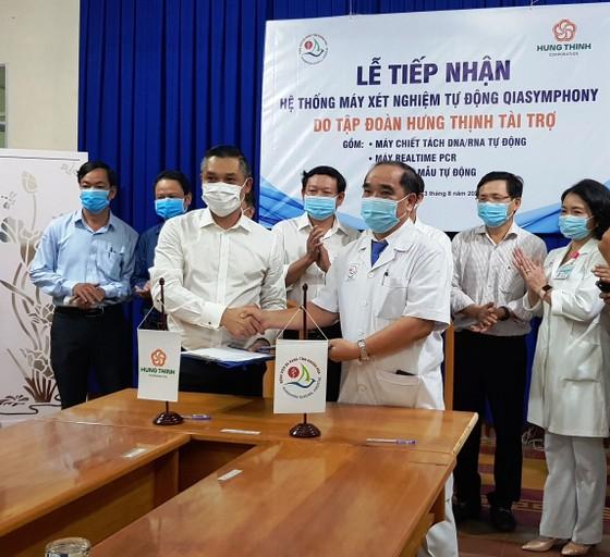 Theo các bác sĩ Bệnh viện Đa khoa Khánh Hòa cho biết, đây là hệ thống máy xét nghiệm Covid hiện đại nhất miền Trung hiện nay.  ảnh 1