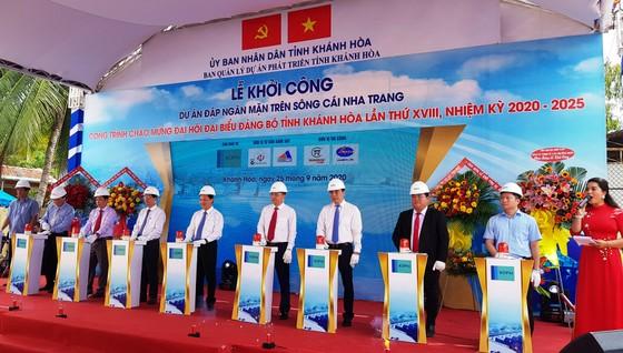 Khánh Hòa phấn đấu trở thành trung tâm kinh tế biển, trung tâm du lịch, dịch vụ lớn của cả nước ảnh 2