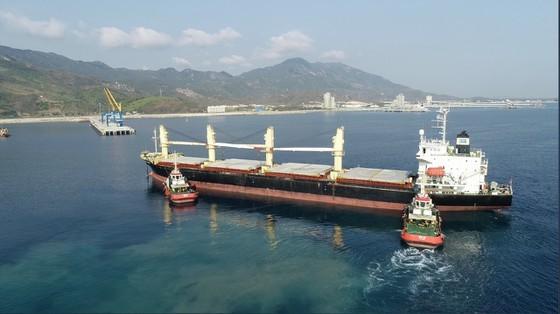 Khánh Hòa phấn đấu trở thành trung tâm kinh tế biển, trung tâm du lịch, dịch vụ lớn của cả nước ảnh 3