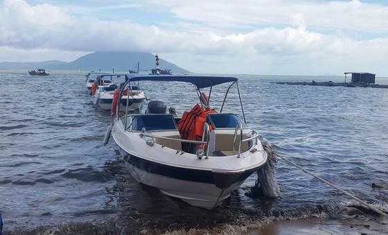 Sáng 6-10, UBND tỉnh Khánh Hòa đã có công văn khẩn về ứng phó với vùng áp thấp trên khu vực giữa biển Đông và dự báo ảnh hưởng trực tiếp đến các tỉnh Nam Trung bộ. ảnh 2