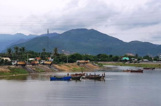 Phát hiện nhiều bất thường tại các doanh nghiệp khai thác khoáng sản ở Khánh Hòa ảnh 2