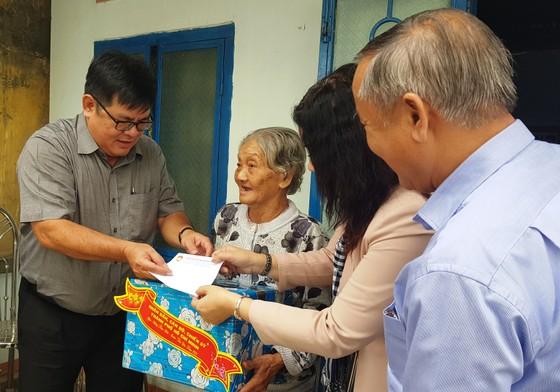 TPHCM tặng nhân dân Khánh Hòa và Phú Yên 600 triệu đồng ảnh 3