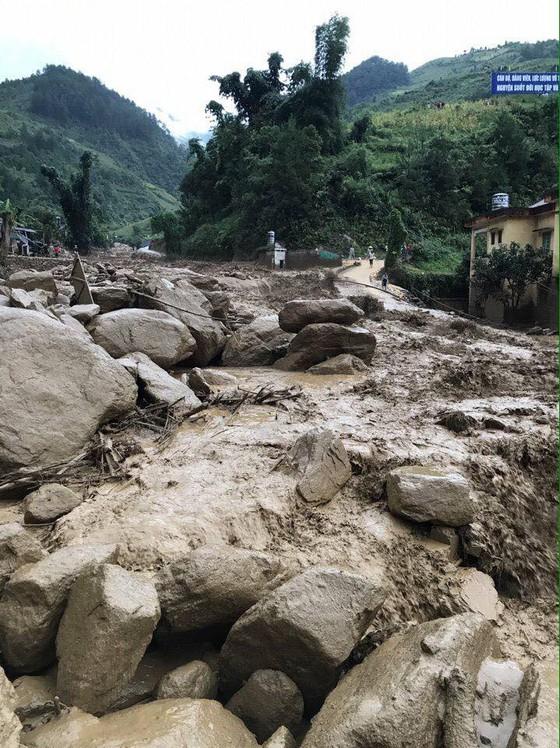 Ít nhất 20 người chết, mất tích do lũ quét ở các tỉnh phía Bắc  ảnh 13