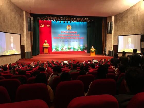 Chủ tịch nước tuyên dương 70 chủ tịch công đoàn cơ sở vì lợi ích người lao động ảnh 1