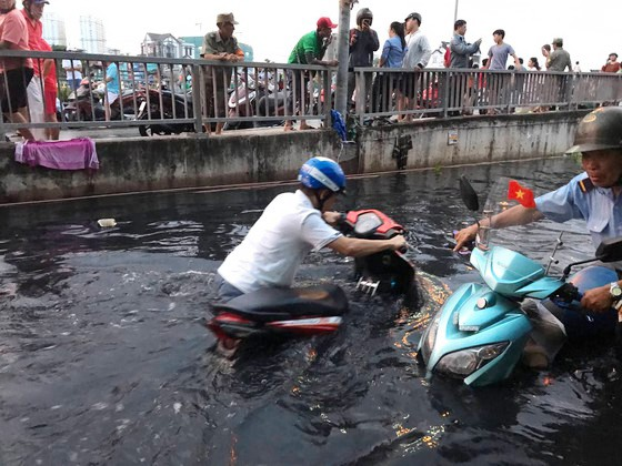 Sụt lún là 'thủ phạm' gây ngập lụt khi triều cường? ảnh 2