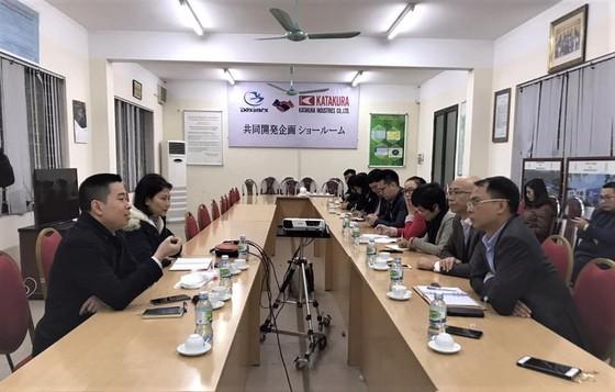 Bộ Công thương vào cuộc cùng doanh nghiệp sản xuất khẩu trang chống dịch ảnh 2