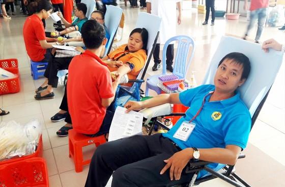 nCoV làm lượng người đi hiến máu giảm ảnh 1