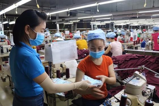 Việt Nam đã xuất hơn 415 triệu khẩu trang cho thế giới ảnh 2