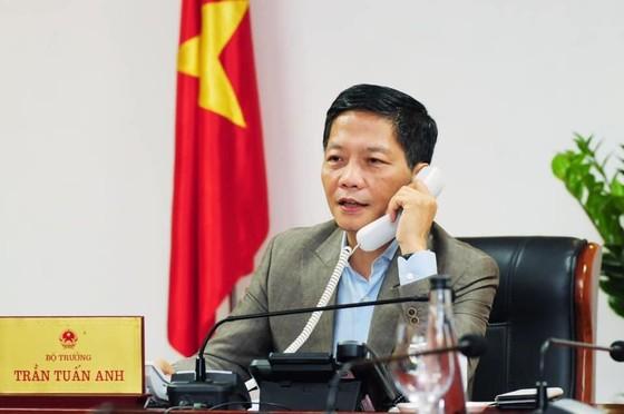 Bộ trưởng công thương điện đàm với Tổng thư ký ASEAN về phục hồi kinh tế sau đại dịch ảnh 1