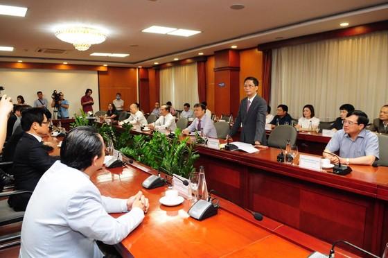 Bộ Công thương và VCCI hợp tác 'đón đầu' thị trường xuất khẩu ngay khi dịch bệnh kết thúc ảnh 2