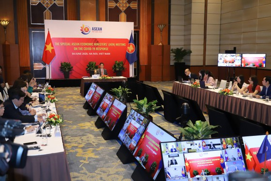 Việt Nam chủ trì hội nghị bộ trưởng kinh tế ASEAN đặc biệt về ứng phó đại dịch Covid-19 ảnh 2