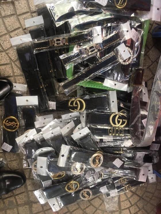 Phát hiện lô hàng lậu hơn 1.800 sản phẩm tại kho Công ty cổ phần dịch vụ hàng hóa Nội Bài ảnh 3