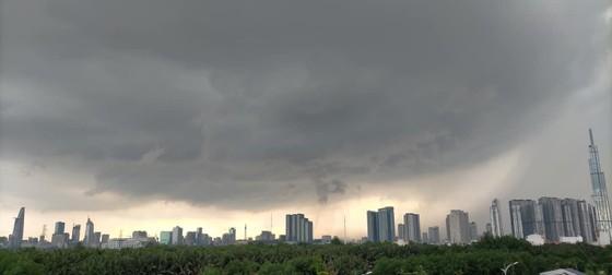 2 miền Nam - Bắc sắp mưa rất lớn ảnh 2