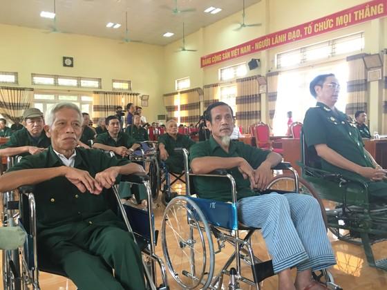 Chủ tịch HĐND TPHCM Nguyễn Thị Lệ thăm các thương binh nặng ở Phú Thọ ảnh 1