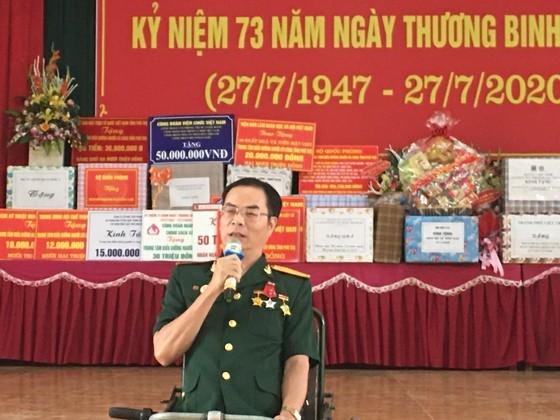 Chủ tịch HĐND TPHCM Nguyễn Thị Lệ thăm các thương binh nặng ở Phú Thọ ảnh 3