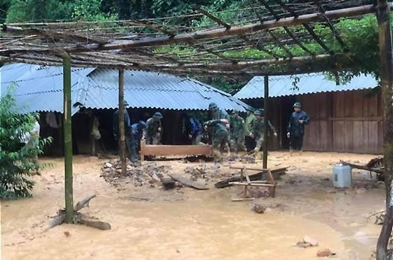 Sạt lở do mưa gió kéo dài, 2 vợ chồng bị thiệt mạng ảnh 1