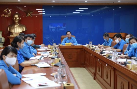 Hơn 56.000 công nhân ở Quảng Nam, Đà Nẵng phải tạm ngưng hoặc mất việc do Covid-19 ảnh 1