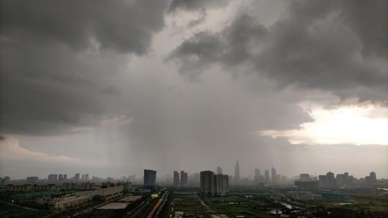 Chiều nay Nam bộ, Tây Nguyên có thể mưa rất lớn ảnh 1