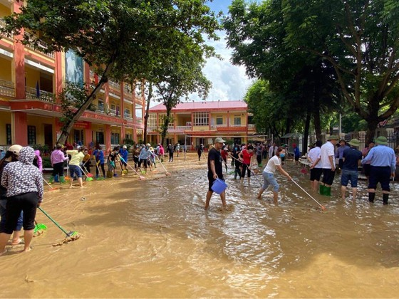 Trung Quốc xả lũ thủy điện xuống sông Hồng ảnh 7