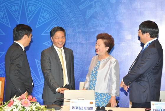 Các bộ trưởng họp tại Hà Nội để thúc đẩy ký kết RCEP cuối năm nay ảnh 2