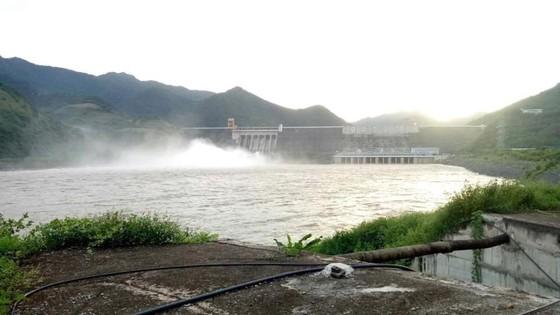 Nước hồ thủy điện Sơn La vượt mức bình thường 1,27m ảnh 2