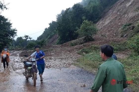 Miền Nam tiếp tục mưa to, 4 thủy điện ở miền Bắc cùng xả lũ ảnh 1