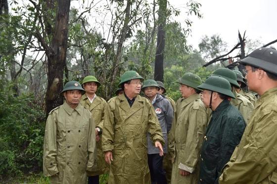 Phó Thủ tướng Trịnh Đình Dũng yêu cầu các bộ, ngành, địa phương phối hợp hạn chế ngập lụt ảnh 1