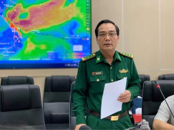 Miền Trung đang mưa như trút, hàng trăm người chết và mất tích ảnh 2
