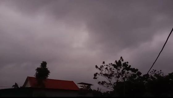 Cơn bão số 10 xuất hiện ảnh 3