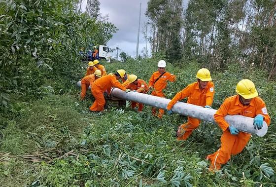 Bão số 10 đang lệch Nam - Dự báo đổ bộ vào khu vực từ Quảng Ngãi đến Khánh Hòa ảnh 3