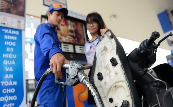 Giá xăng dầu tăng trở lại từ chiều 26-11 ảnh 1